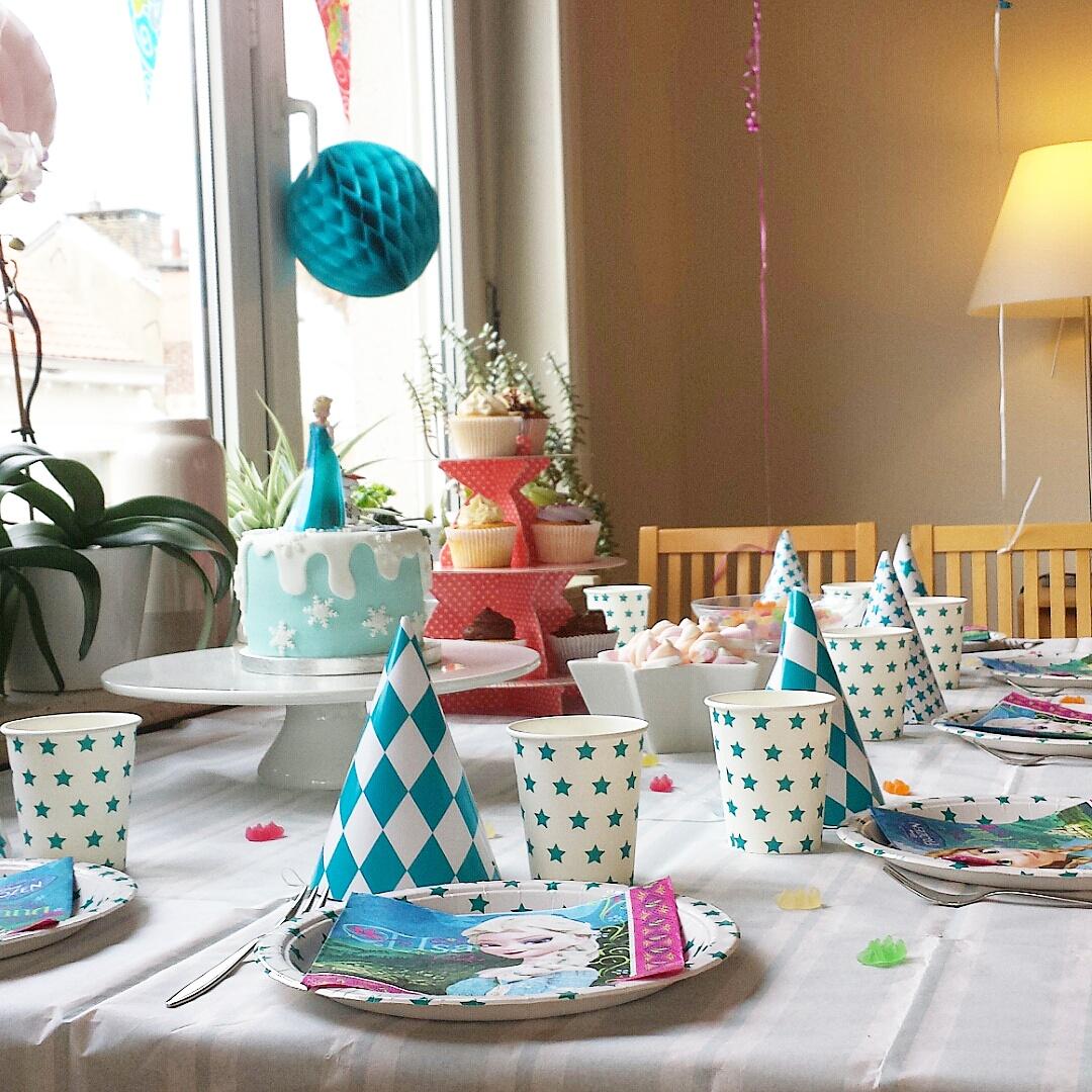 les 3 ans de lou un anniversaire reine des neiges alice bruxelles le blog. Black Bedroom Furniture Sets. Home Design Ideas